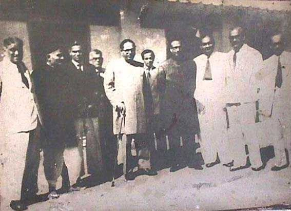 Dr. Ambedkar at Milind College, Aurangabad. On his right are M/s. Kamalakant Chitre, Ghanshyam Talvataker, C. Mohite Guruji and Barrister V.G.Rao. On his left are Principal M.B.Chitnis and his colleagues